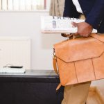 middle_class_wages_man_briefcase